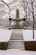 Monticello, Jefferson Obelisk, snow