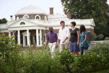 Monticello visitors on West Lawn