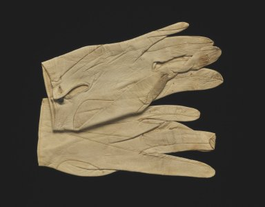Pair of lady's gloves