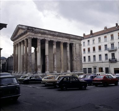Temple of Augustus, Vienne