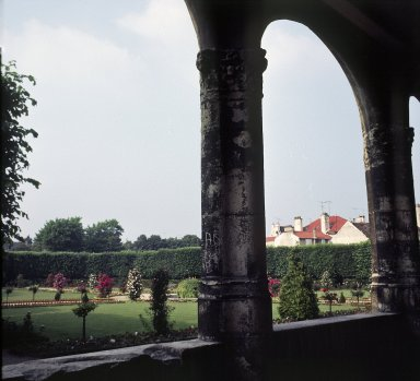 Meaux Cathedral, Garden