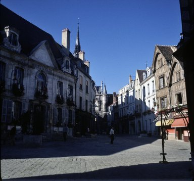 Auxuerre, houses near l'horloge and pedestrian mall