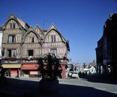 Auxerre, houses near l'horloge and pedestrian mall
