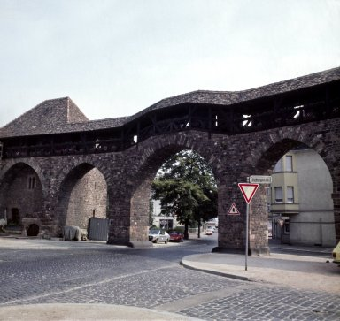 Worms, Roman gate and wall