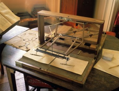 Monticello, pantograph in the cabinet