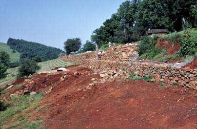 Monticello, archaeology, vegetable garden wall, during excavation
