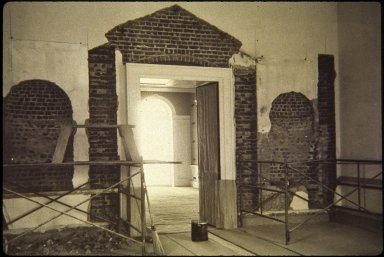 Monticello, restoration, Parlor, evidence of niches