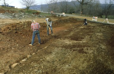 Monticello archaeologists excavating lower end of Mulberrry Row