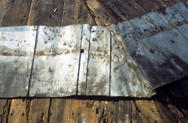 Monticello, top row of original shingles at meeting of southwest and west segments, detail