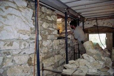 Monticello, restoration, North cellar passage, rebuilding portion of west wall