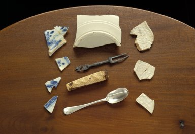 Monticello artifacts- table and housewares