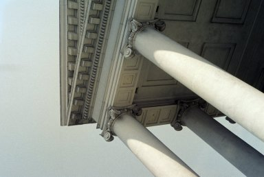 Virginia State Capitol, portico, detail